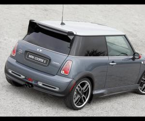 MINI Cooper S John Cooper Works GP photo 7