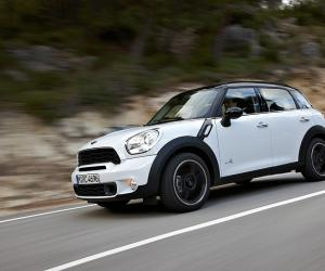 MINI Countryman photo 2