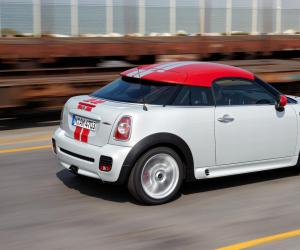 MINI Coupe John Cooper Works photo 7