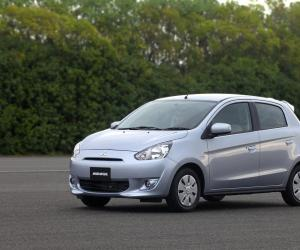 Mitsubishi Mirage photo 14