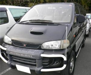 Mitsubishi Space Gear photo 13