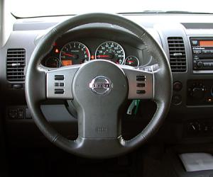 NISSAN Frontier photo 7