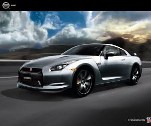 NISSAN GT-R photo 1