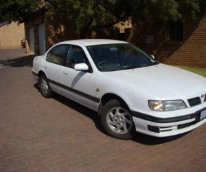 NISSAN Maxima QX photo 3