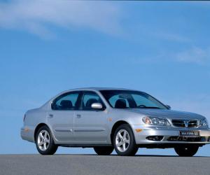 NISSAN Maxima QX photo 11