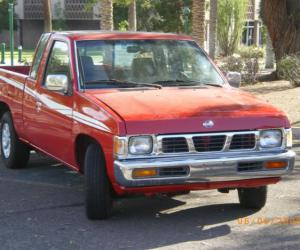 NISSAN Pick-Up photo 7