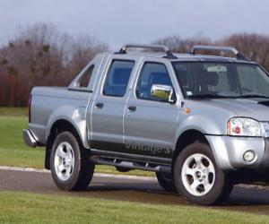 NISSAN Pick-Up photo 11