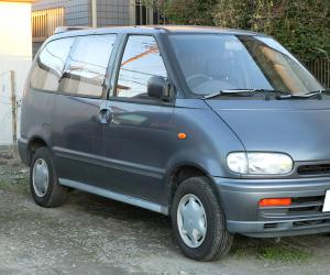 NISSAN Serena photo 1