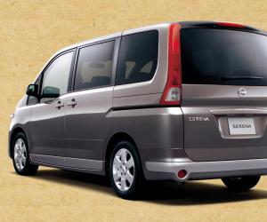 NISSAN Serena photo 2