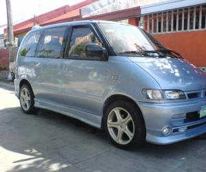 NISSAN Serena photo 19