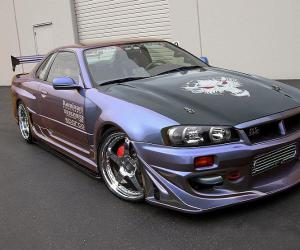 NISSAN Skyline photo 13