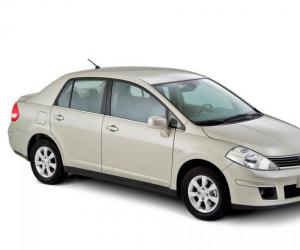 NISSAN Tiida photo 1