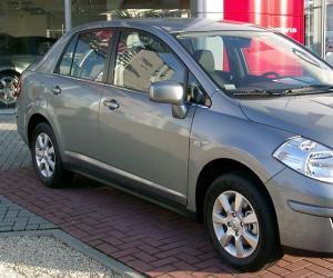 NISSAN Tiida 1.8 photo 1