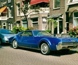 Oldsmobile Toronado photo 2