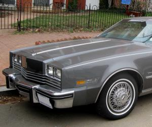 Oldsmobile Toronado photo 3