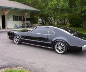Oldsmobile Toronado photo 7