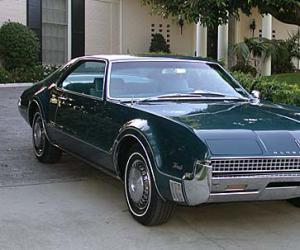 Oldsmobile Toronado photo 9