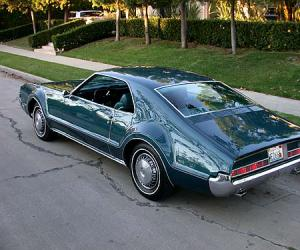 Oldsmobile Toronado photo 11