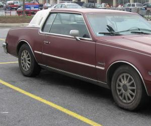 Oldsmobile Toronado photo 12