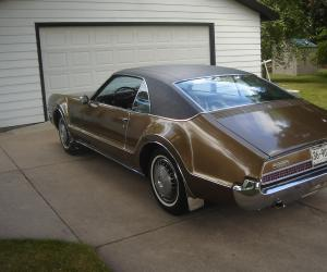 Oldsmobile Toronado photo 14
