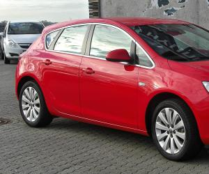 Opel Astra 1.4 ecoFLEX photo 1
