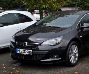 Opel Astra 1.4 Turbo photo 1