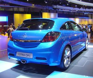 Opel Astra OPC image #9