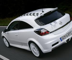 Opel Astra OPC image #10