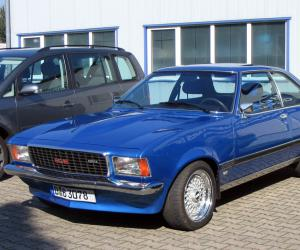 Opel Commodore photo 3