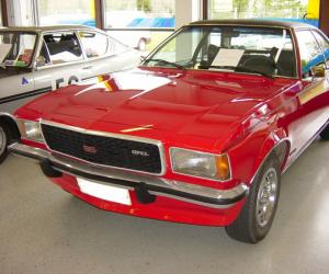 Opel Commodore photo 12