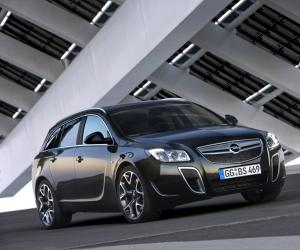 Opel Insignia OPC Sports Tourer photo 3