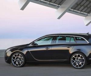 Opel Insignia OPC Sports Tourer photo 13