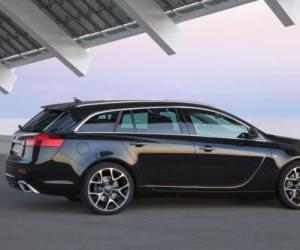 Opel Insignia OPC Sports Tourer photo 15