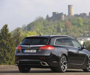 Opel Insignia OPC Sports Tourer photo 16