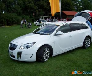 Opel Insignia OPC Sports Tourer photo 17