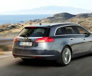 Opel Insignia Sports Tourer photo 14