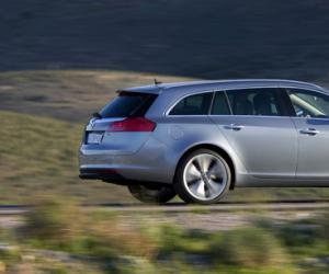 Opel Insignia Sports Tourer Ecoflex photo 11