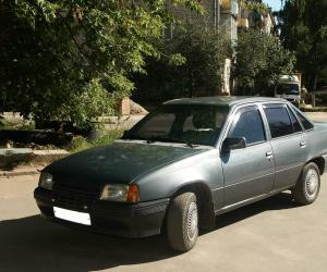 Opel Kadett photo 12