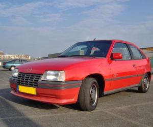 Opel Kadett photo 13