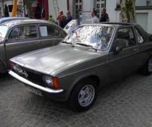 Opel Kadett Aero photo 16