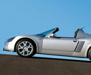 Opel Speedster Turbo photo 5