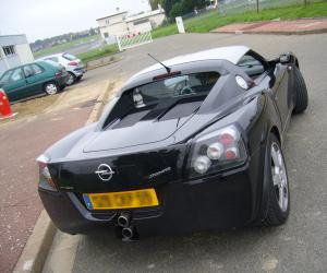 Opel Speedster Turbo photo 16