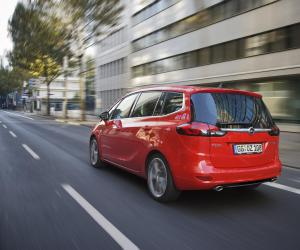 Opel Zafira Tourer 2.0 BiTurbo photo 3