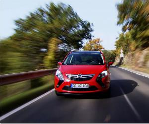 Opel Zafira Tourer 2.0 BiTurbo photo 13