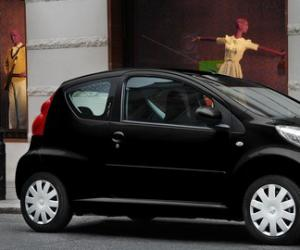 Peugeot 107 Urban Move photo 2