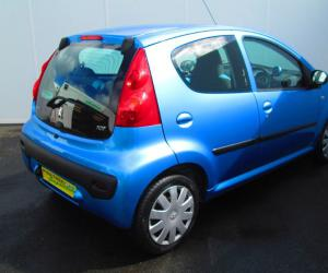 Peugeot 107 Urban Move photo 18