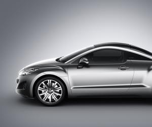 Peugeot 308 Coupe photo 2