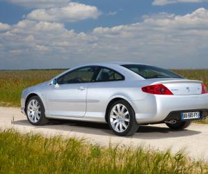 Peugeot 407 Coupe photo 7