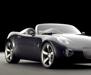 Pontiac Solstice photo 1