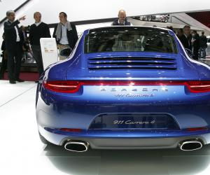 Porsche 911 Carrera 4S photo 1